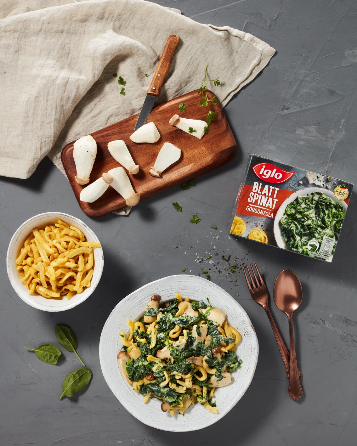 Food, Food-fotografie, Iglo, 3 Zutatenküche, Still-life, Hamburg, Christopher Shaw, Spinat, Pasta, Spätzle, Pilze, Topshot