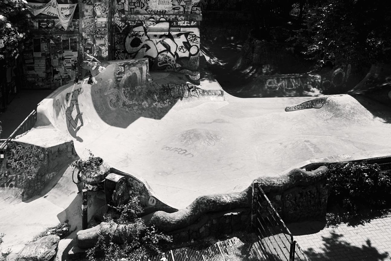 Confusion Magazine, Skate, Skateboarding, Hamburg, Christopher Shaw, Fotografie, Black White, Crailslide, Henri von Stanislawski, Bowl